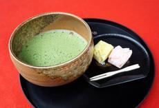 2月19日は国府宮神社でなおい茶会