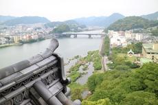 8月10日は犬山城と花火が同時に楽しめる「日本ライン夏まつり納涼花火大会」