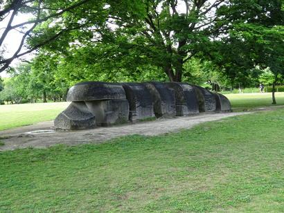 石の置物彫刻.JPG